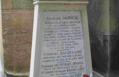 Charles Baudelaire, hantes-tu ta tombe ou ton cénotaphe ?