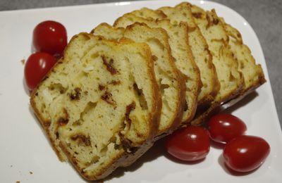 Cake au chèvre et aux tomates séchées
