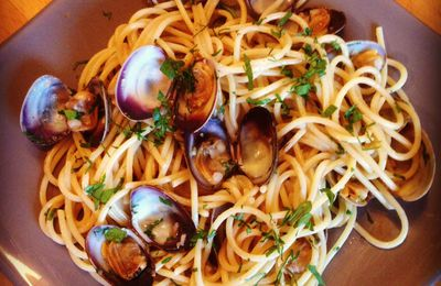 Spaghetti alla vongole ou aux palourdes