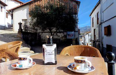 TOMAR UN CAFE.