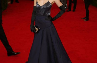 Dakota Johnson en robe Jason Wu au Met Gala 2014