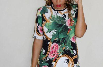 Beyoncé en robe t-shirt militaire vs en total look fleuri, quelle tenue on préfère ?