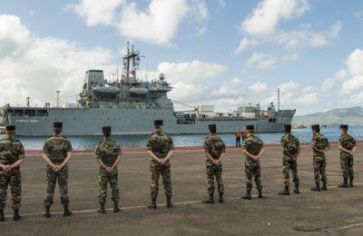 FAA : l'Almirante Saboia (Brésil) à Fort-de-France