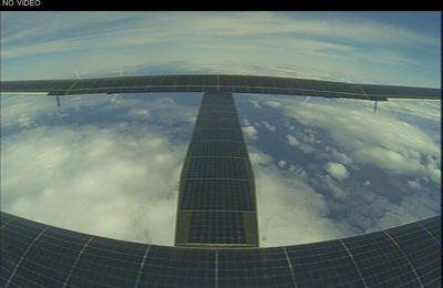 Solar Impulse poursuit sans accroc son vol transpacifique entre le Japon et Hawaï