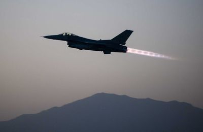Warplanes: An F-16 Takes Ground Fire Over Afghanistan