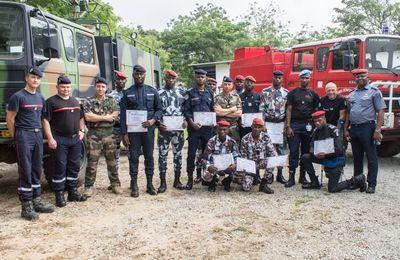 FFCI : Instruction des forces républicaines de Côte d'Ivoire par les pompiers