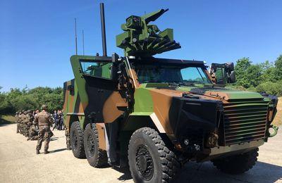 Premier défilé sur les Champs-Elysées pour le futur véhicule blindé connecté de l'armée de Terre