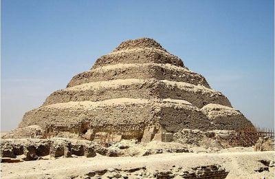 Le complexe funéraire de Djoser et la pyramide à degrés