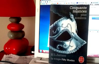 """Cinquante nuances plus sombres"" de E.L. James"