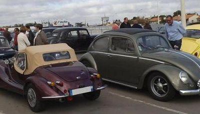 ARTICLE PRESSE : De belles voitures au rendez-vous sur le parking du magasin Leclerc POITIERS