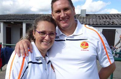 La déléguée et l'entraîneur des U16.