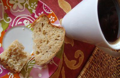 """Cake """"tcheupy"""" à la compote de pomme (facile)"""