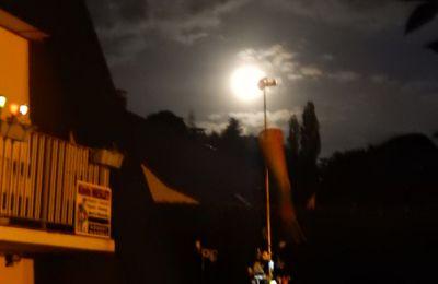 La lune est ronde
