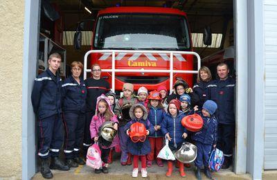 L'école Sainte-Anne en visite chez les pompiers