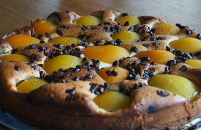 Gâteau amandine abricots et pépites de chocolat