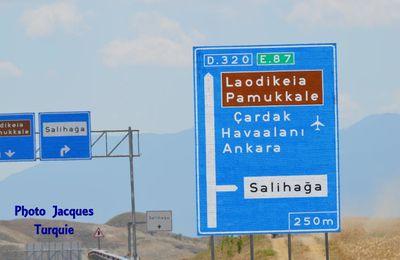 Partons ensemble à la découverte des ruines de Laodicée, Turquie.