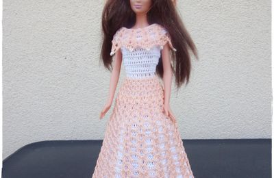 robe au crochet pour Barbie