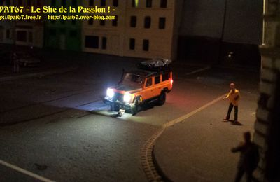 Land Defender ; 10 leds cms, 1 accu 150mA/H, DC-07SI