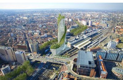 Toulouse aura son building