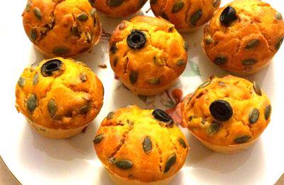 Muffins aux olives noires et tomates séchées confites