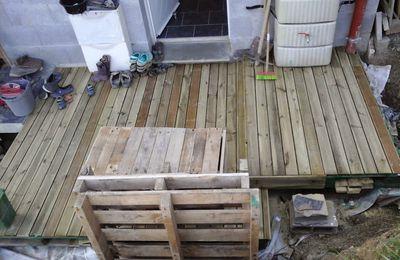 Terrasse en palette de l'entrée - Paletage des palettes