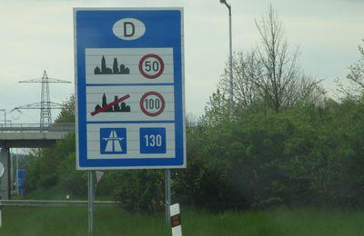 Vitesses en Allemagne : le 130 km/h est recommandé - le 120 est testé en Bade Würtemberg -  Le 80 km/h est impératif par temps de pluie.
