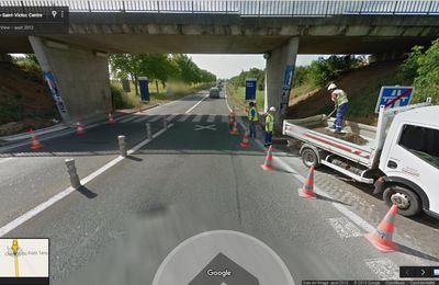 Pour aller de l'aire de covoiturage de l'autoroute au 1er arrêt de bus les piétons sont mis en danger au nord de Blois.