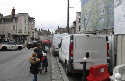 La mise en chantier chez les uns ne doit pas être une mise en danger des autres... (Blois - rue du Bourg Neuf).