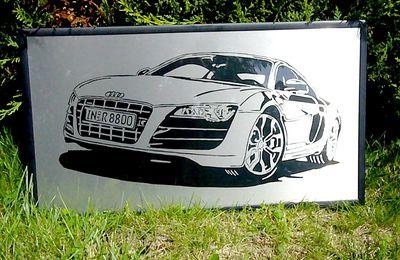 Audi R8 sur plaque d'inox