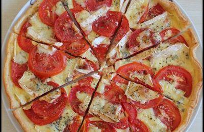 Tarte aux tomates et bresse-bleu