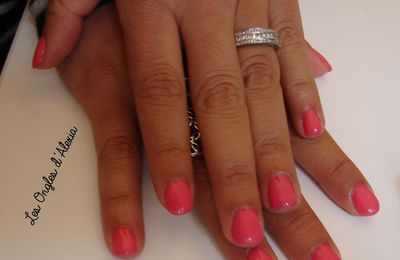 Gamme Essence - Gel Nails At Home