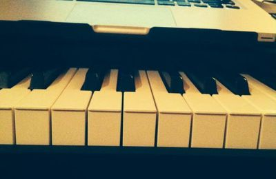 [#AuTravail #Piano #macbook]