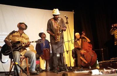 3 février  avec Cheikh Sow et l'orchestre AfricaCubanoProjeto au Cirque Romanès