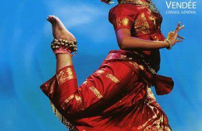 Cugand 2011- un éblouissant voyage autour des 5 continents.…