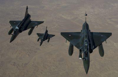 Deux Mirage 2000D recherchent le vol AH5017 qui s'est écrasé au Mali