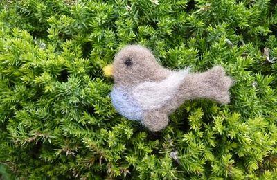 Atelier décorations de Pâques en laine cardée