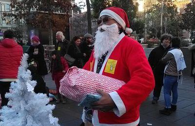 """[Toulouse]Les enfants de la campagne """"Un toit pour apprendre"""" ont au moins vu le père Noël !"""