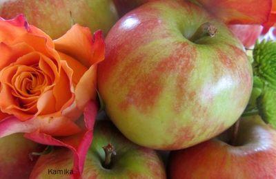 """Table """" les pommes"""" # 54"""
