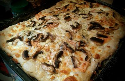 Pizza saumon-champignons