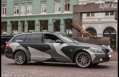 BMW break avec camouflage