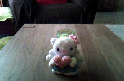 Hello Kitty ange fait au crochet