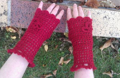 Mitaines rouges fait au crochet
