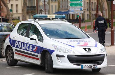 Levallois-Perret : un homme fonce avec sa voiture sur des militaires