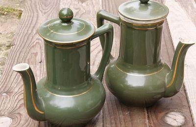 Duo de cafetières vertes
