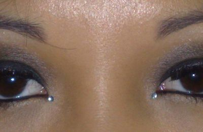 Make up smoky eyes