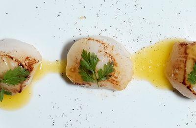 Coquilles Saint-Jacques au beurre de yuzu