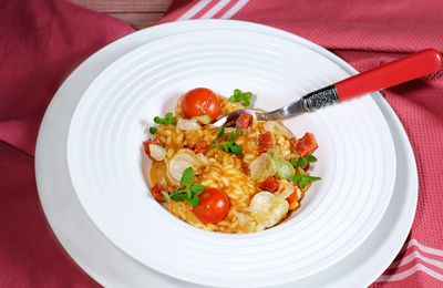 Risotto rouge à l'origan, chorizo et pecorino