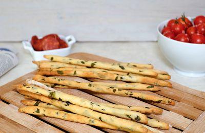Gressins maison au parmesan, basilic et citron