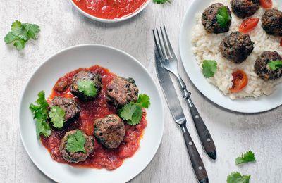 Boulettes de boeuf à la coriandre et à l'ail, compotée de tomates