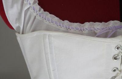 Tenue victorienne: Le corset / Victorian Outfit: the corset